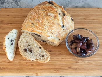 kalamata olive dutch oven bread recipe