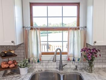 DIY No sew kitchen curtains