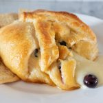 Baked brie with blueberries and honey