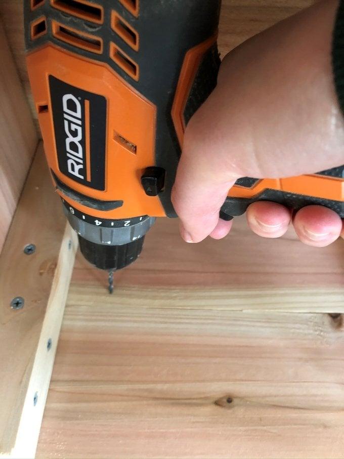 DIY Cedar planter bench 13
