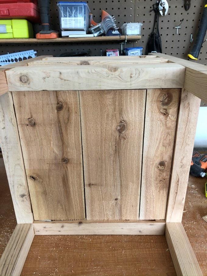 DIY Cedar planter bench 16