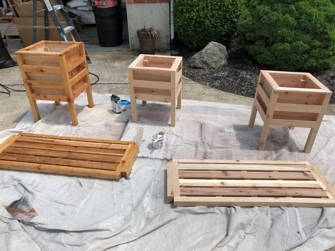 DIY Cedar planter bench 20