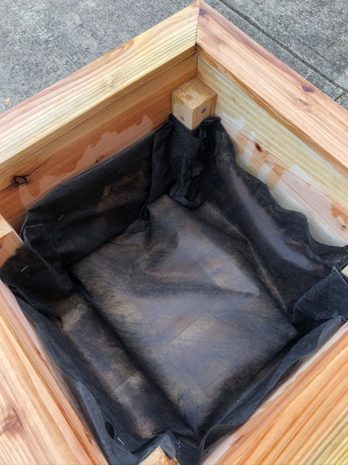 DIY Cedar planter bench 22