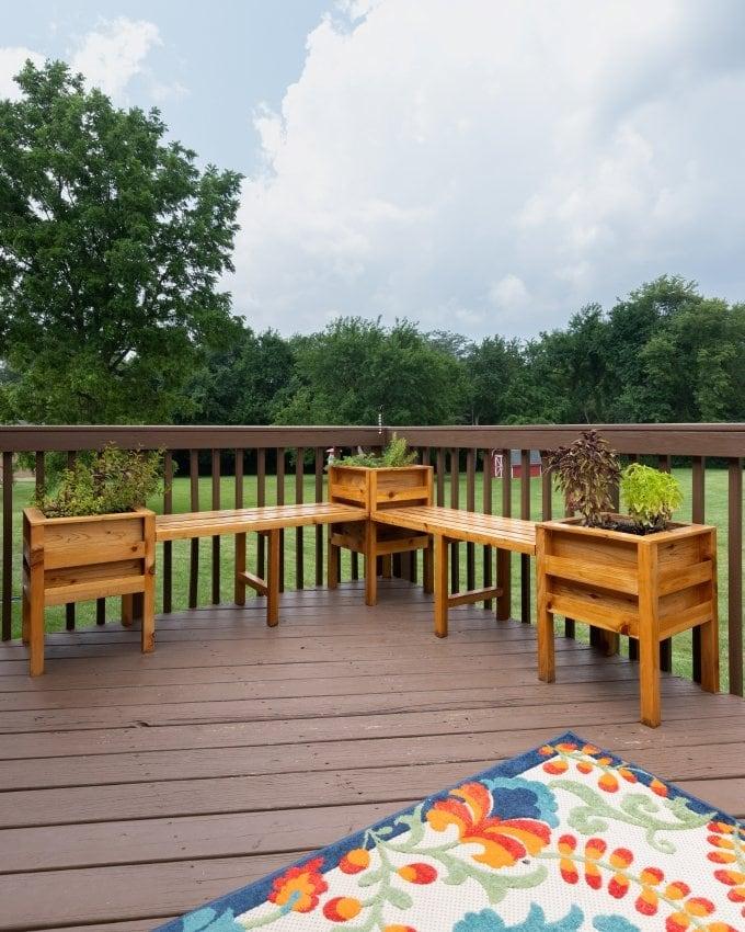 DIY Cedar planter bench 26