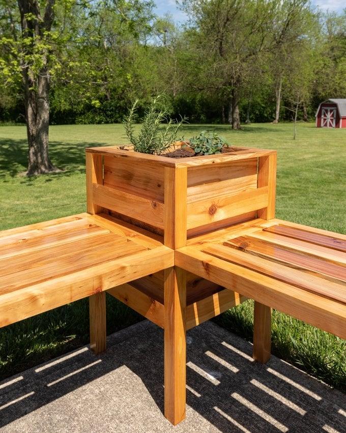 DIY cedar planter bench plans 2